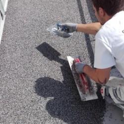 Balkonbodenbeschichtung und Abdichtung mit Natursteinbelag